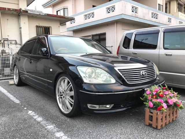 沖縄の中古車 トヨタ セルシオ 車両価格 19万円 リ済込 平成15年 17.2万km ブラック