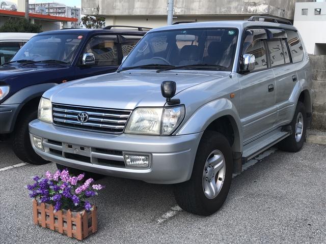 沖縄の中古車 トヨタ ランドクルーザープラド 車両価格 129万円 リ済込 平成13年 17.4万km シルバー