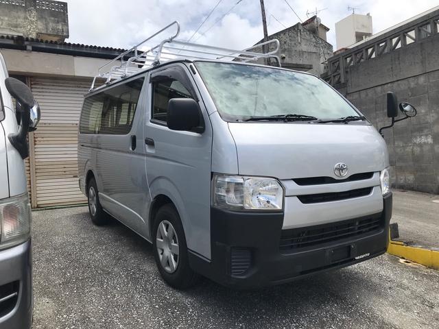 沖縄の中古車 トヨタ ハイエースバン 車両価格 139万円 リ済込 2015(平成27)年 14.5万km シルバー