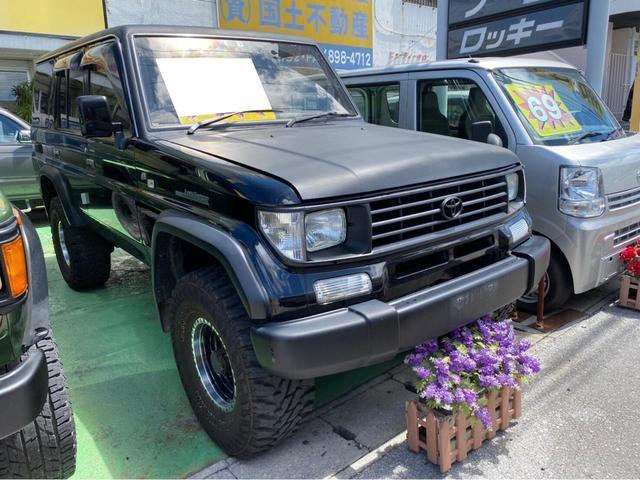 沖縄の中古車 トヨタ ランドクルーザープラド 車両価格 198万円 リ済込 1996(平成8)年 26.2万km ブラック