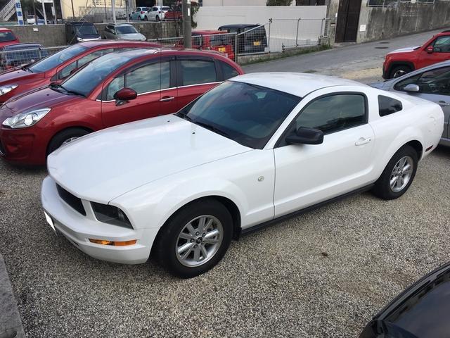 沖縄の中古車 フォード フォード マスタング 車両価格 138万円 リ済込 2007年 6.1万km ホワイト