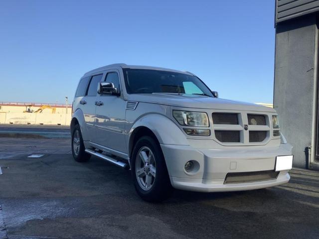 沖縄の中古車 ダッジ ダッジ・ナイトロ 車両価格 175万円 リ済別 2011(平成23)年 6.8万km ホワイト