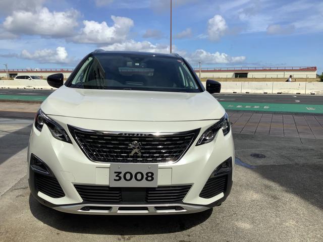 沖縄の中古車 プジョー 3008 車両価格 315万円 リ済別 2019(令和1)年 0.6万km ホワイト