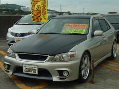 沖縄の中古車 トヨタ アルテッツァ 車両価格 29万円 リ済別 平成10年 15.1万K ライトシルバーM