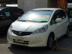 沖縄の中古車 ホンダ フィット 車両価格 55万円 リ済別 平成23年 8.2万K プレミアムホワイトパール