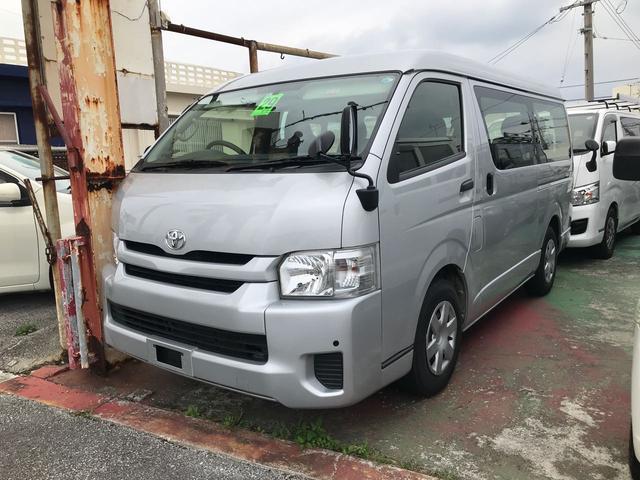 沖縄の中古車 トヨタ ハイエースワゴン 車両価格 258万円 リ済込 平成29年 7.4万km グレー