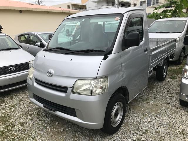 沖縄の中古車 トヨタ ライトエーストラック 車両価格 65万円 リ済込 平成22年 10.3万km グレー