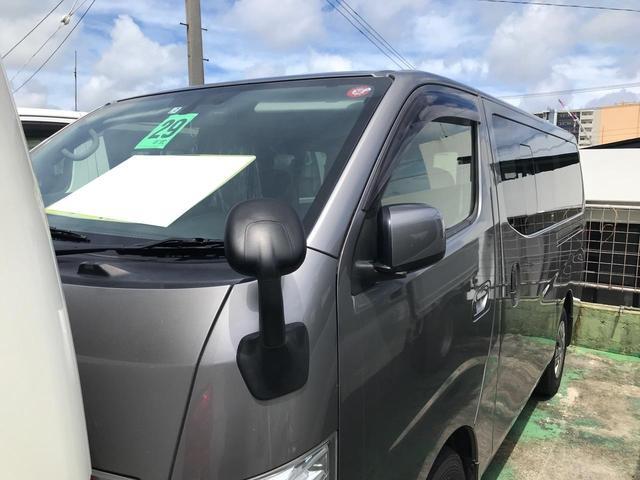 沖縄の中古車 日産 NV350キャラバンバン 車両価格 168万円 リ済込 2017(平成29)年 19.1万km グレー