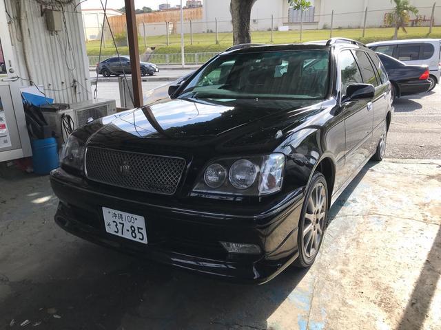 沖縄の中古車 トヨタ クラウンエステート 車両価格 59万円 リ済込 2002(平成14)年 12.1万km ブラック