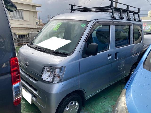 沖縄の中古車 ダイハツ ハイゼットカーゴ 車両価格 62万円 リ済込 2015(平成27)年 9.7万km グレー