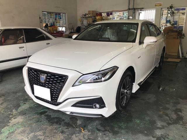 沖縄の中古車 トヨタ クラウンハイブリッド 車両価格 430万円 リ済込 2019年 0.8万km パールホワイト