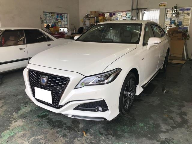 沖縄の中古車 トヨタ クラウンハイブリッド 車両価格 400万円 リ済込 2019年 0.8万km パールホワイト