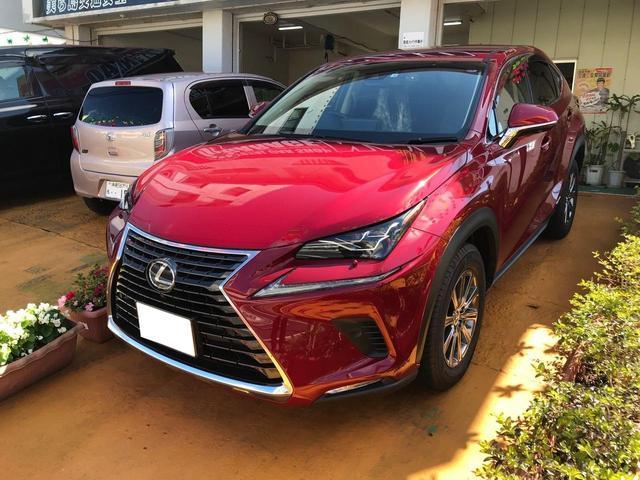 沖縄の中古車 レクサス NX 車両価格 400万円 リ済込 2018(平成30)年 0.9万km レッド