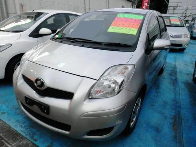 沖縄の中古車 トヨタ ヴィッツ 車両価格 43万円 リ済込 平成23年 7.3万km シルバーM