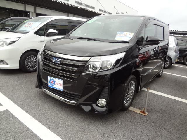 沖縄の中古車 トヨタ ノア 車両価格 299.2万円 リ済別 2017(平成29)年 4.3万km ブラック