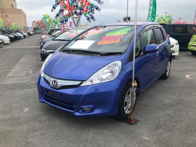 沖縄の中古車 ホンダ フィットハイブリッド 車両価格 88万円 リ済込 2012(平成24)年 6.4万km ブルー
