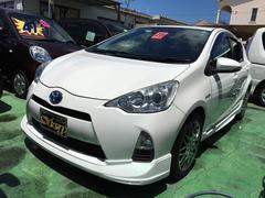 沖縄の中古車 トヨタ アクア 車両価格 109万円 リ済込 平成25年 5.0万K パールホワイト