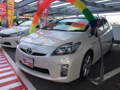 沖縄の中古車 トヨタ プリウス 車両価格 109万円 リ済込 平成23年 7.4万K パールホワイト