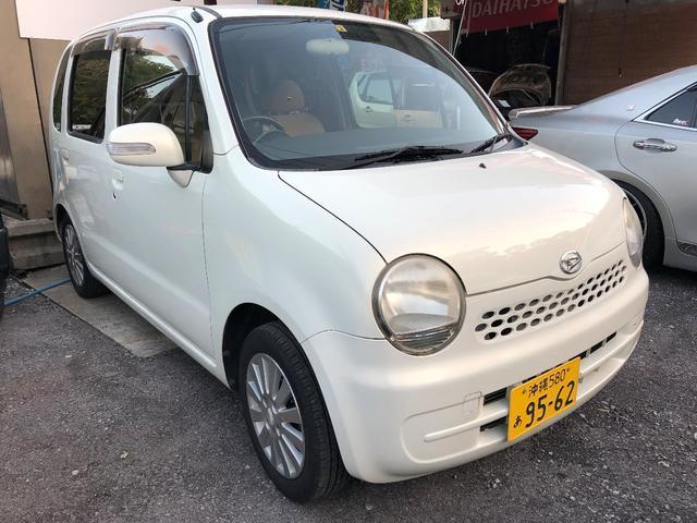 沖縄の中古車 ダイハツ ムーヴラテ 車両価格 20万円 リ済込 2005(平成17)年 5.6万km パールホワイト