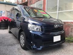 沖縄の中古車 トヨタ ヴォクシー 車両価格 63万円 リ済込 平成21年 10.2万K ブルー