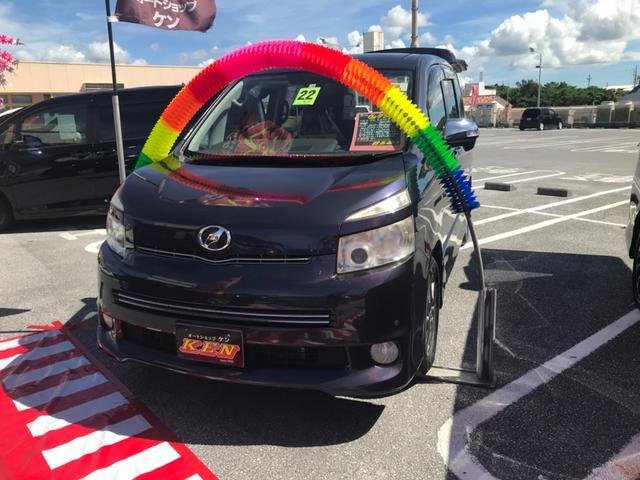 沖縄の中古車 トヨタ ヴォクシー 車両価格 69万円 リ済込 2010(平成22)年 9.7万km パープル