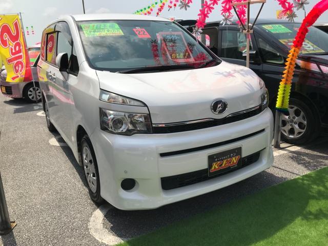 沖縄の中古車 トヨタ ヴォクシー 車両価格 65万円 リ済込 2010(平成22)年 9.4万km パール