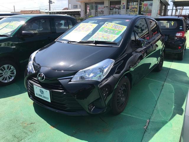 沖縄の中古車 トヨタ ヴィッツ 車両価格 96万円 リ済込 2017(平成29)年 7.8万km ブラック