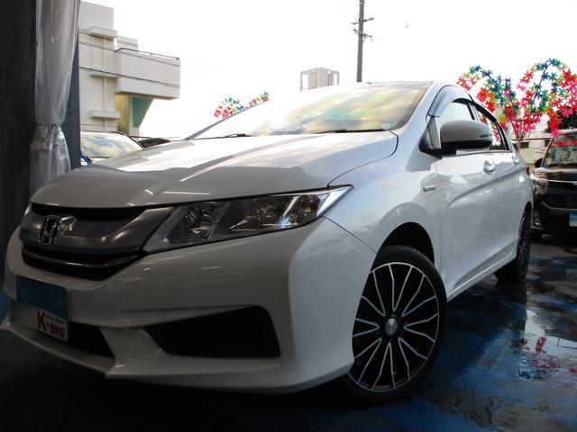 沖縄の中古車 ホンダ グレイス 車両価格 79万円 リ済込 2015(平成27)年 6.6万km パールホワイト
