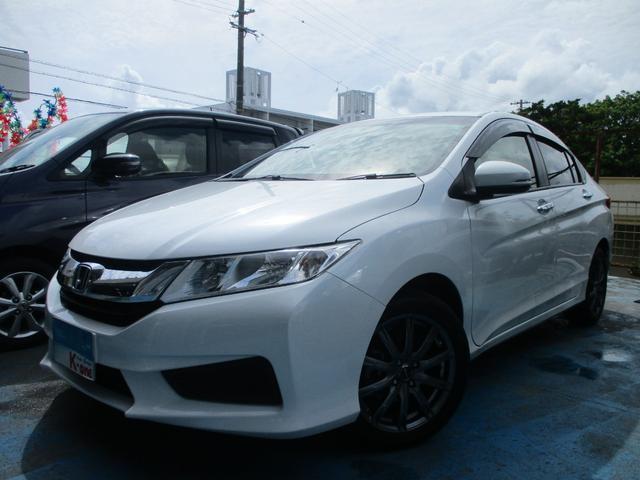 沖縄の中古車 ホンダ グレイス 車両価格 99万円 リ済込 2016(平成28)年 2.6万km パールホワイト
