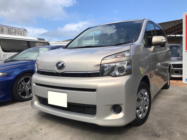 沖縄の中古車 トヨタ ヴォクシー 車両価格 45万円 リ済別 2011(平成23)年 10.4万km ゴールドM