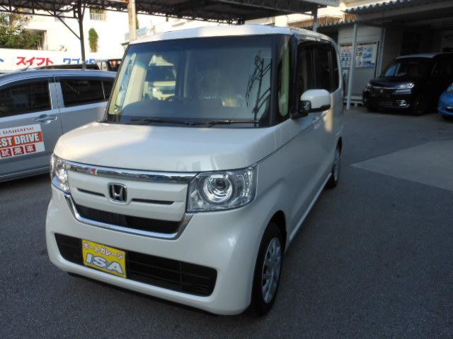 沖縄の中古車 ホンダ N-BOX 車両価格 154万円 リ未 2021(令和3)年 4km パールホワイト
