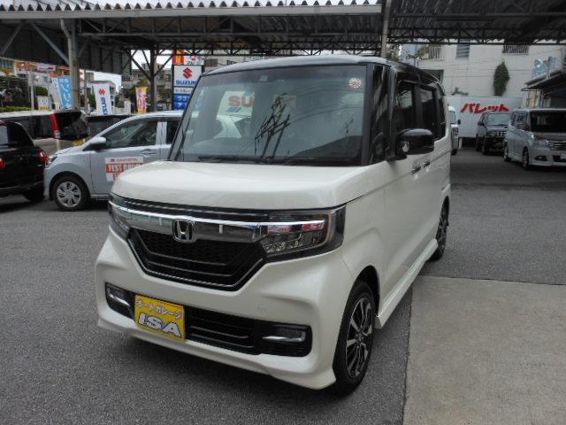 沖縄の中古車 ホンダ N-BOXカスタム 車両価格 197万円 リ未 2021(令和3)年 4km ホワイトII