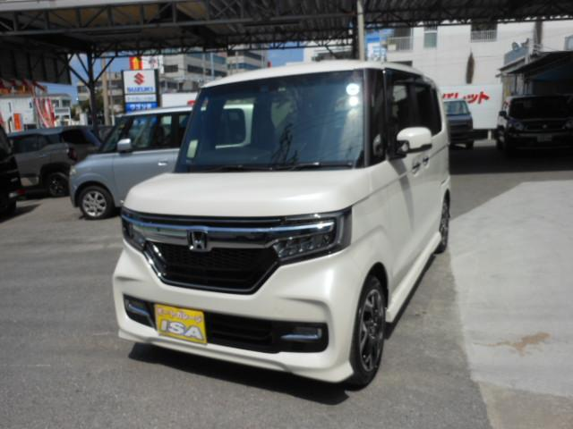 沖縄の中古車 ホンダ N BOXカスタム 車両価格 188万円 リ未 新車  パールホワイト