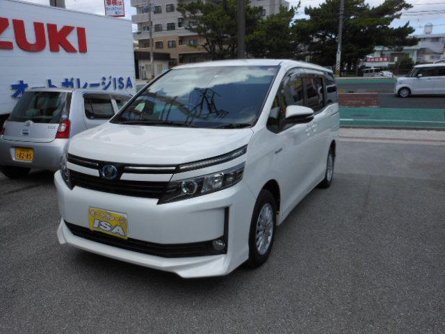 沖縄の中古車 トヨタ ヴォクシー 車両価格 179万円 リ済込 2014(平成26)年 6.2万km パールホワイト