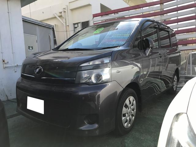 沖縄の中古車 トヨタ ヴォクシー 車両価格 105万円 リ済込 平成24年 9.4万km グレーメタリック