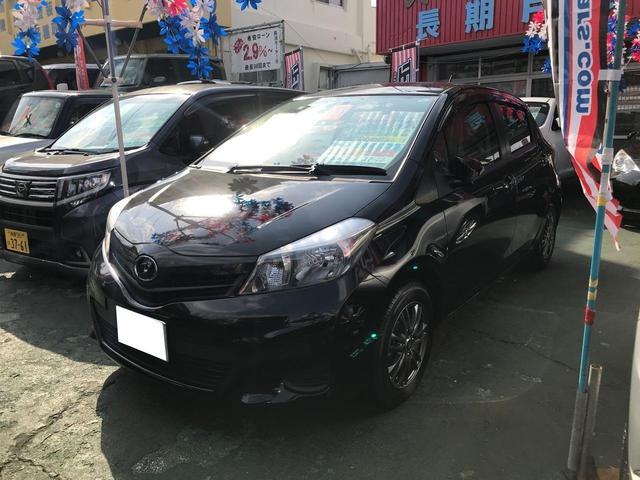 沖縄の中古車 トヨタ ヴィッツ 車両価格 55万円 リ済込 2013(平成25)年 7.9万km ブラック