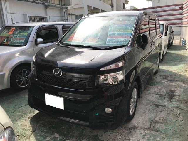 沖縄県宜野湾市の中古車ならヴォクシー ZS 両側パワースライドドア TV ナビ 純正フルエアロ