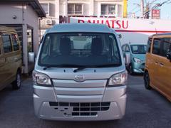 沖縄の中古車 ダイハツ ハイゼットトラック 車両価格 69万円 リ済込 平成26年 2.4万K グレー