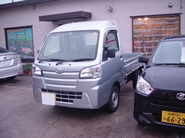 沖縄の中古車 ダイハツ ハイゼットトラック 車両価格 84万円 リ済込 平成31年 6km シルバー