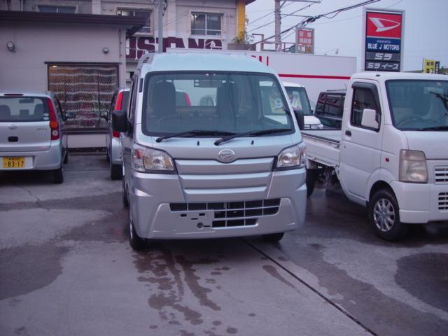 沖縄の中古車 ダイハツ ハイゼットトラック 車両価格 90万円 リ済込 新車  シルバー
