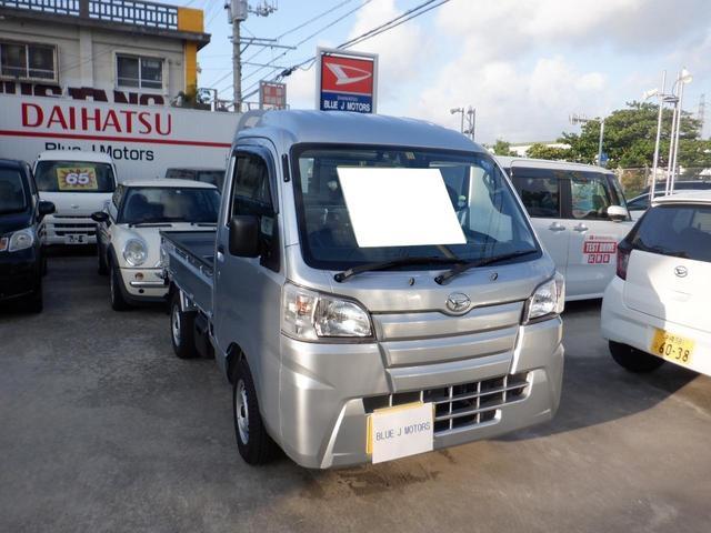 沖縄の中古車 ダイハツ ハイゼットトラック 車両価格 83万円 リ済込 2018(平成30)年 0.4万km シルバー