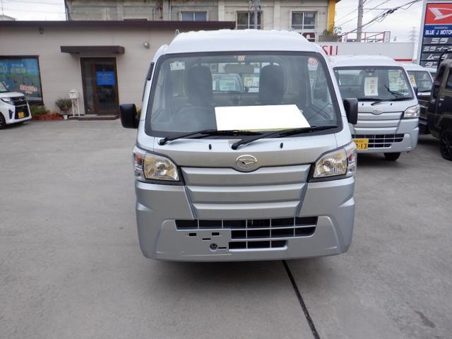 沖縄の中古車 ダイハツ ハイゼットトラック 車両価格 82万円 リ済込 2019(令和1)年 6km シルバー