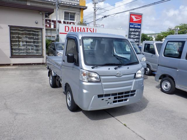 沖縄の中古車 ダイハツ ハイゼットトラック 車両価格 82万円 リ済込 2021(令和3)年 7km シルバー