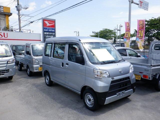 沖縄の中古車 ダイハツ ハイゼットカーゴ 車両価格 89万円 リ済込 2021(令和3)年 5km シルバー