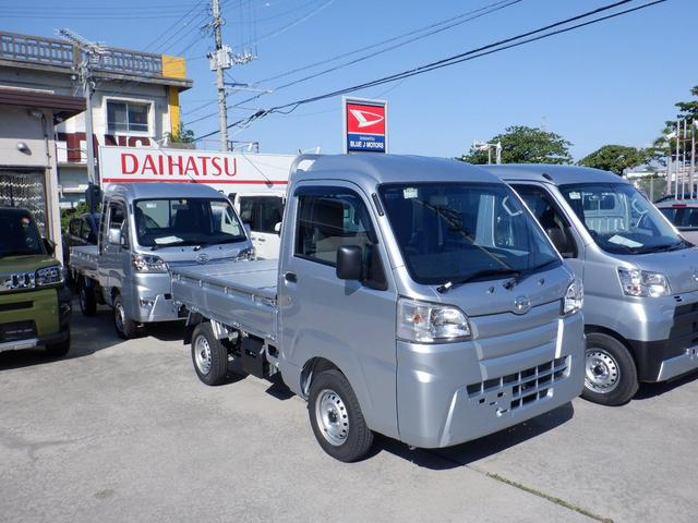 沖縄の中古車 ダイハツ ハイゼットトラック 車両価格 82万円 リ済込 2021(令和3)年 4km シルバー