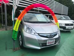 沖縄の中古車 ホンダ フィットハイブリッド 車両価格 78万円 リ済込 平成23年 6.2万K シルバー
