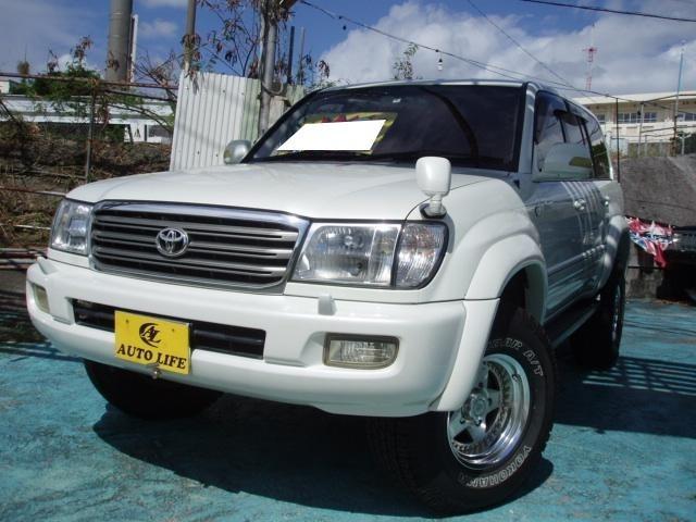 沖縄の中古車 トヨタ ランドクルーザー100 車両価格 169万円 リ済込 平成15年 13.4万km パールホワイト