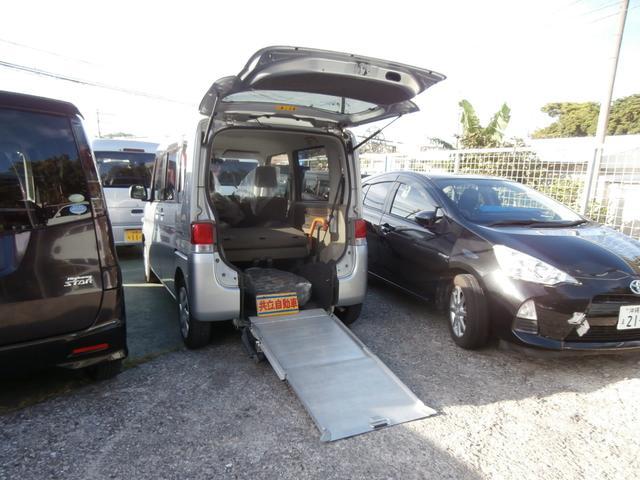 沖縄の中古車 ダイハツ タント 車両価格 60万円 リ済込 平成24年 10.0万km シルバー