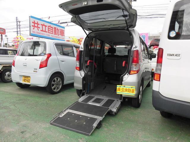 沖縄県の中古車ならワゴンR スローパー リヤシート付き電動固定式 福祉車輌