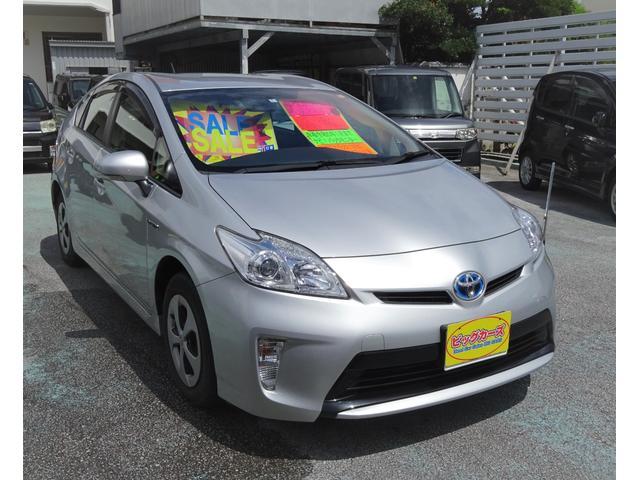 沖縄の中古車 トヨタ プリウス 車両価格 99万円 リ済込 2015(平成27)年 2.9万km シルバー